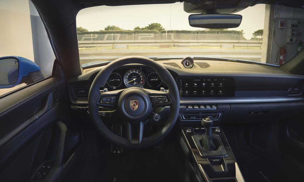 2022 Porsche 911 GT3 (2)