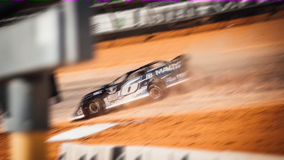 210323 MAVTV Motorsports Network to Sponsor Kyle Larson for Late Model Dirt Series (2)