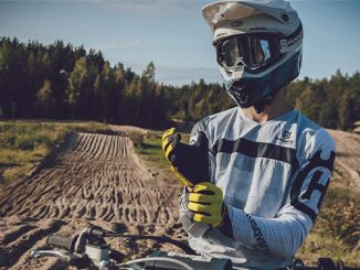 HUSQVARNA MOTORCYCLES LAUNCHES FUNCTIONAL APPAREL COLLECTION FOR 2021 (678)