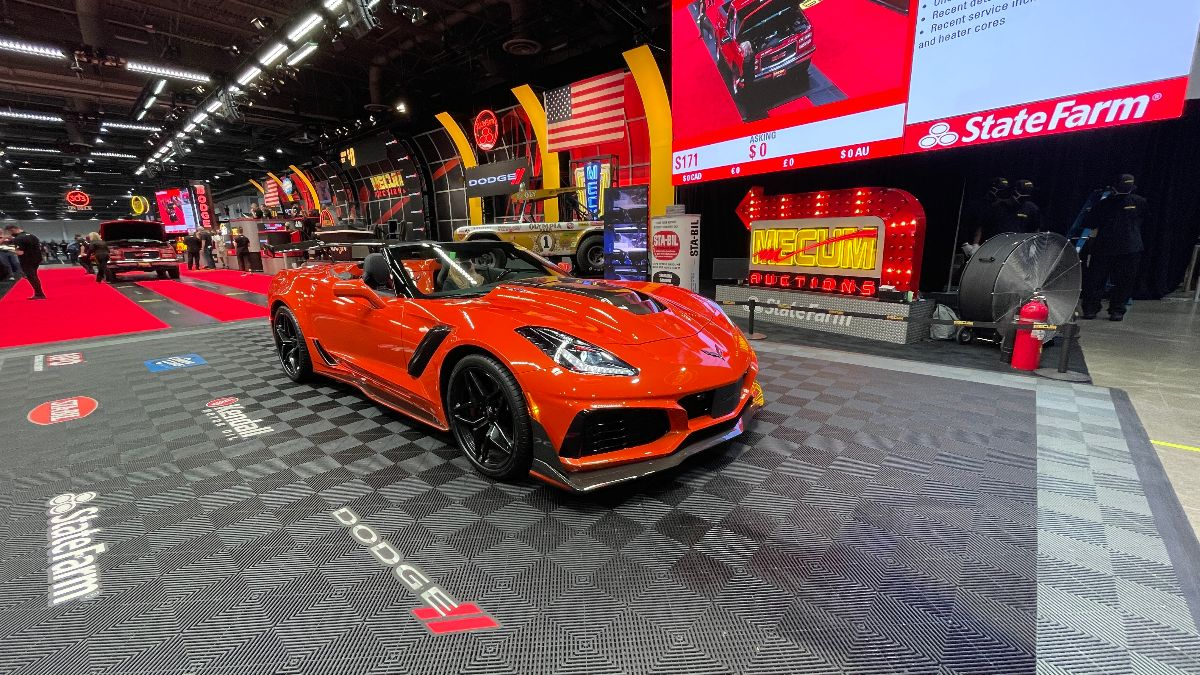 210414 2019 Chevrolet Corvette ZR1 Convertible 755 HP, 810 Miles (Lot S170) sold at $165,000