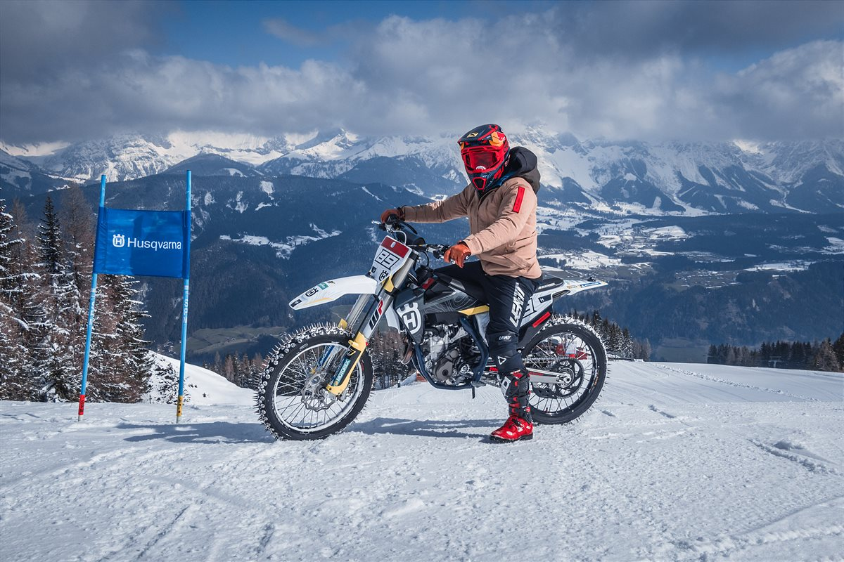 210423 Husqvarna Motorcycles Signs Marcel Hirscher as Brand Ambassador (2)