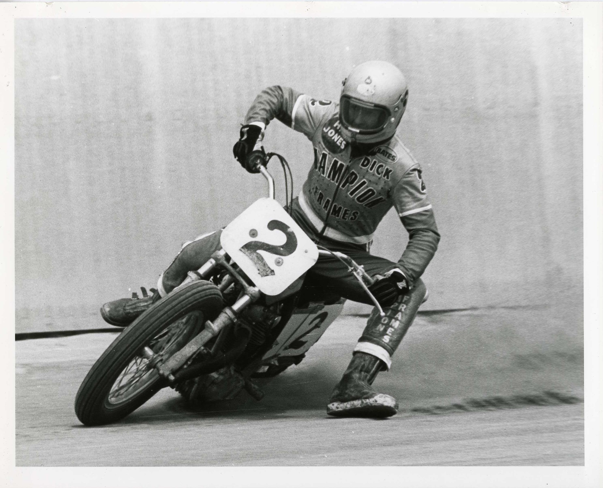 210428 AMA Motorcycle Hall of Famer and Racing Legend Dick Mann Passes (3)