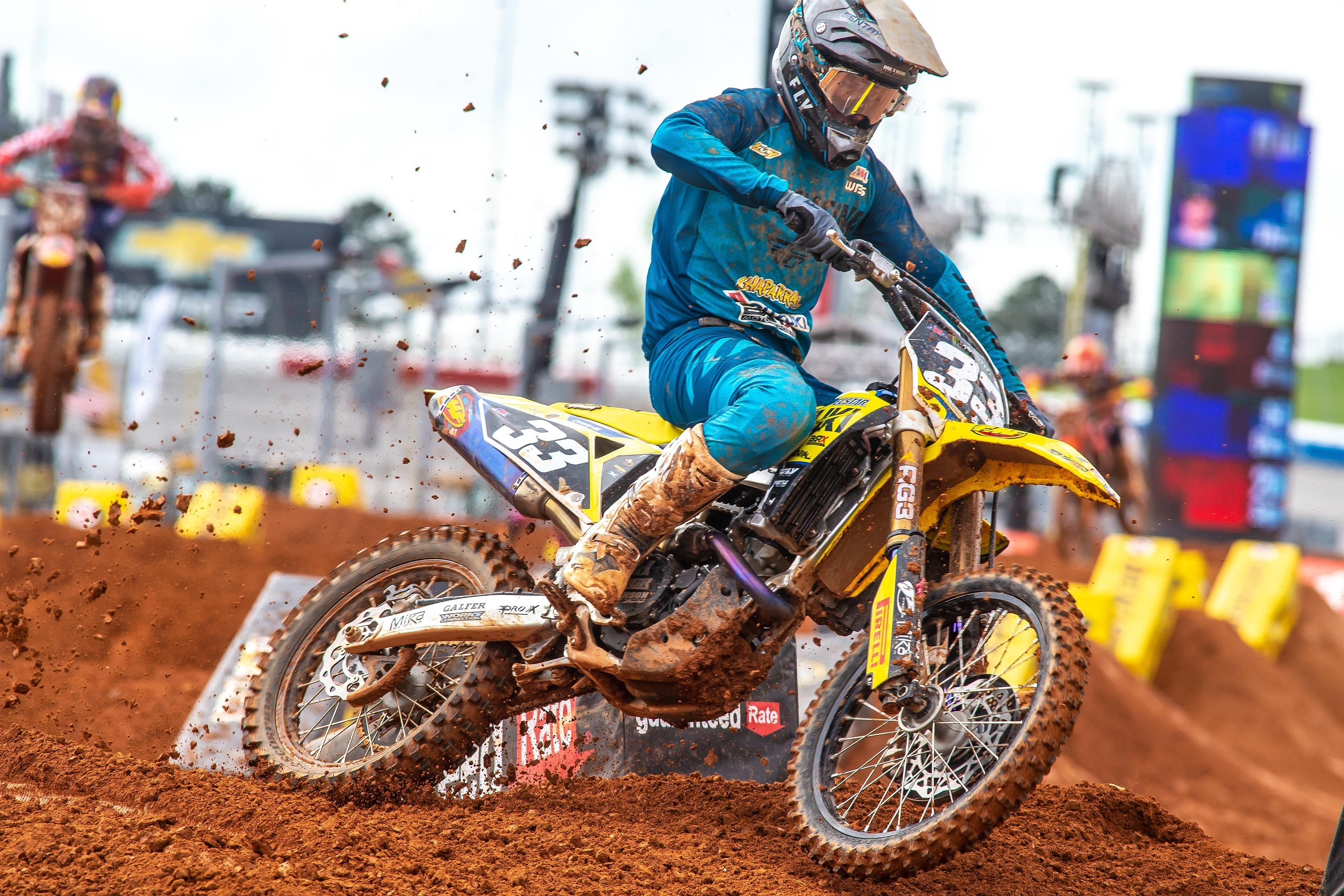 Derek Drake (33) had a solid race in his 2021 Supercross debut on the Suzuki RM-Z250
