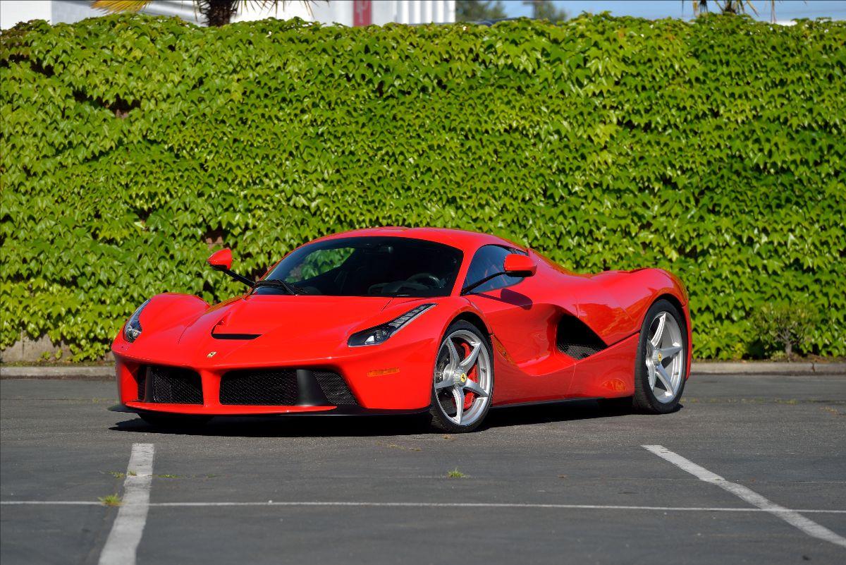 210603 2014 Ferrari LaFerrari Hybrid Drive 6.3L:949 HP, 131 Miles