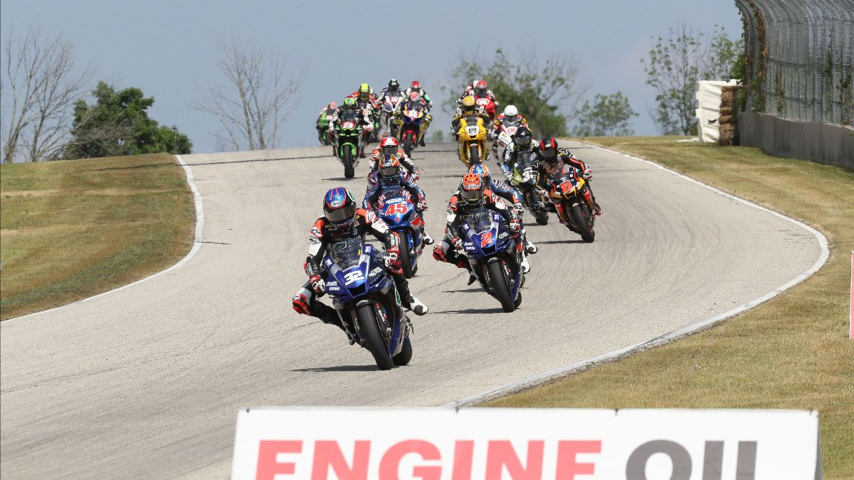 210613 Jake Gagne (32) leads his teammate Josh Herrin (2), Cameron Petersen (45) and the rest of the HONOS Superbike class