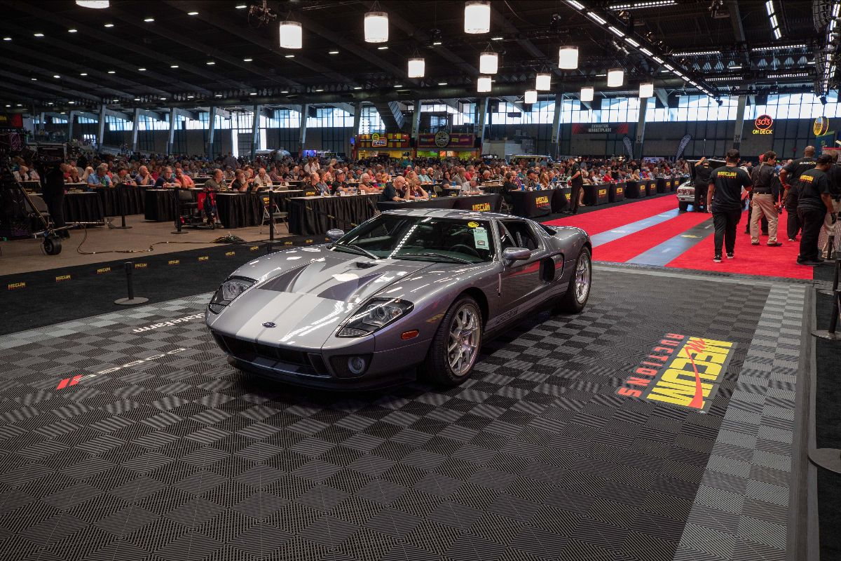 2006 Ford GT 5.4L:550 HP, All Four Options (Lot S115.1) sold at $330,000