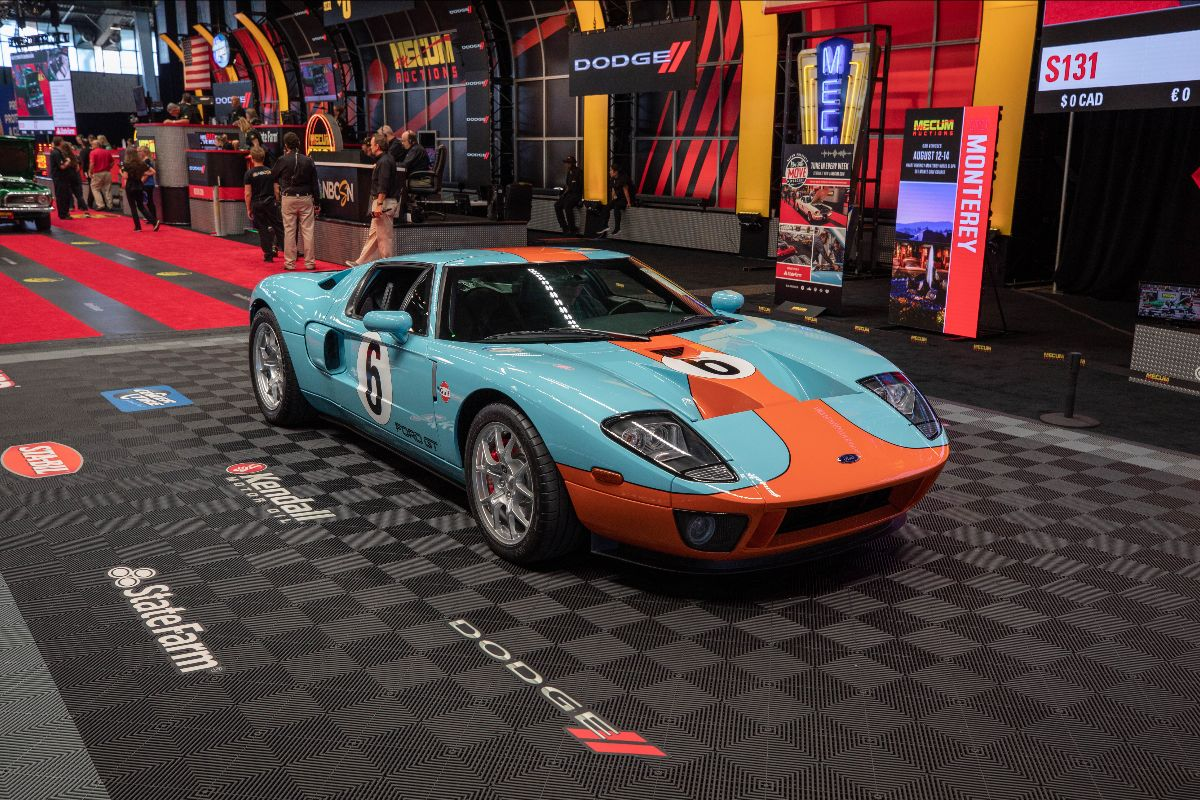 2006 Ford GT Supercharged 5.4L:550 HP, 6-Speed (Lot S130.1) sold at $280,500