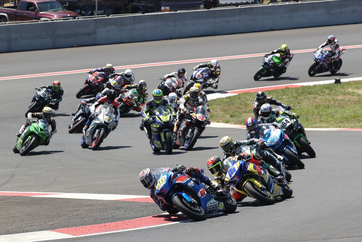 210628 Sean Dylan Kelly (40) leads Kevin Olmedo (16), Richie Escalante (1) and the rest of the Supersport pack on Sunday at Ridge Motorsports Park