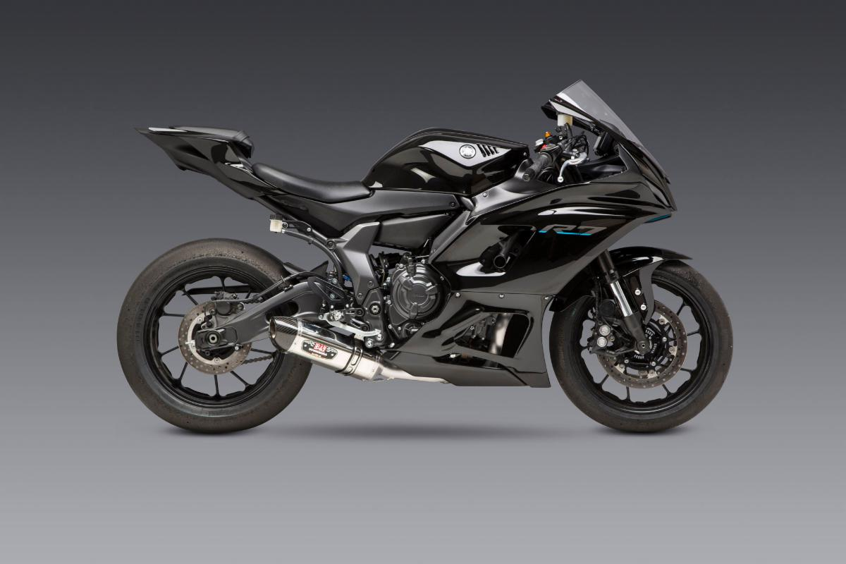 210707 Yamaha R7 and our R-77 are a match made in heaven. Providing power, looks and significant weight reduction.(3)