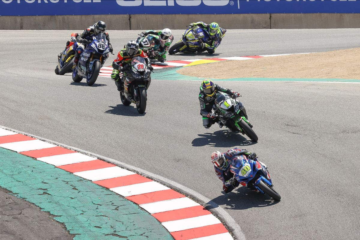 210712 Sean Dylan Kelly (40) leads Richie Escalante (1), Cory Ventura (28) and the rest of the Supersport field at WeatherTech Raceway Laguna Seca on Sunday