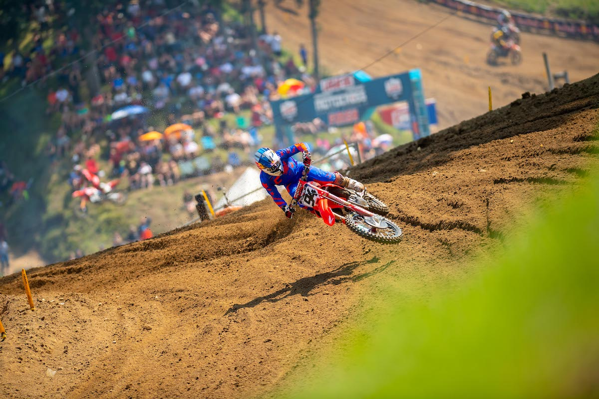 Ken Roczen rebounded from a DNF in Moto 1 to take the Moto 2 victory