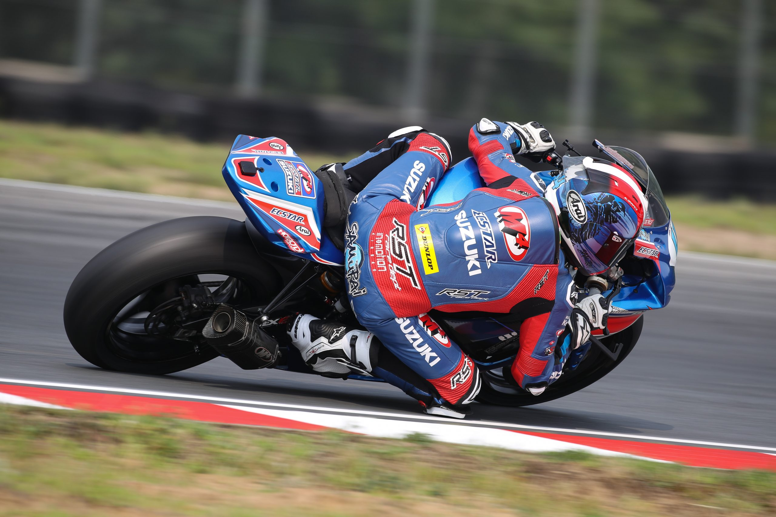 210802 Sam Lochoff (44) continues to improve quickly and scored two podium finishes on his GSX-R600