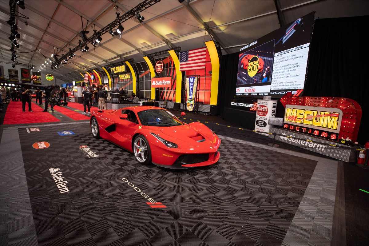 2014 Ferrari LaFerrari Hybrid-Drive 6.3L:949 HP, 131 Miles (Lot S75) sold at $3,410,000