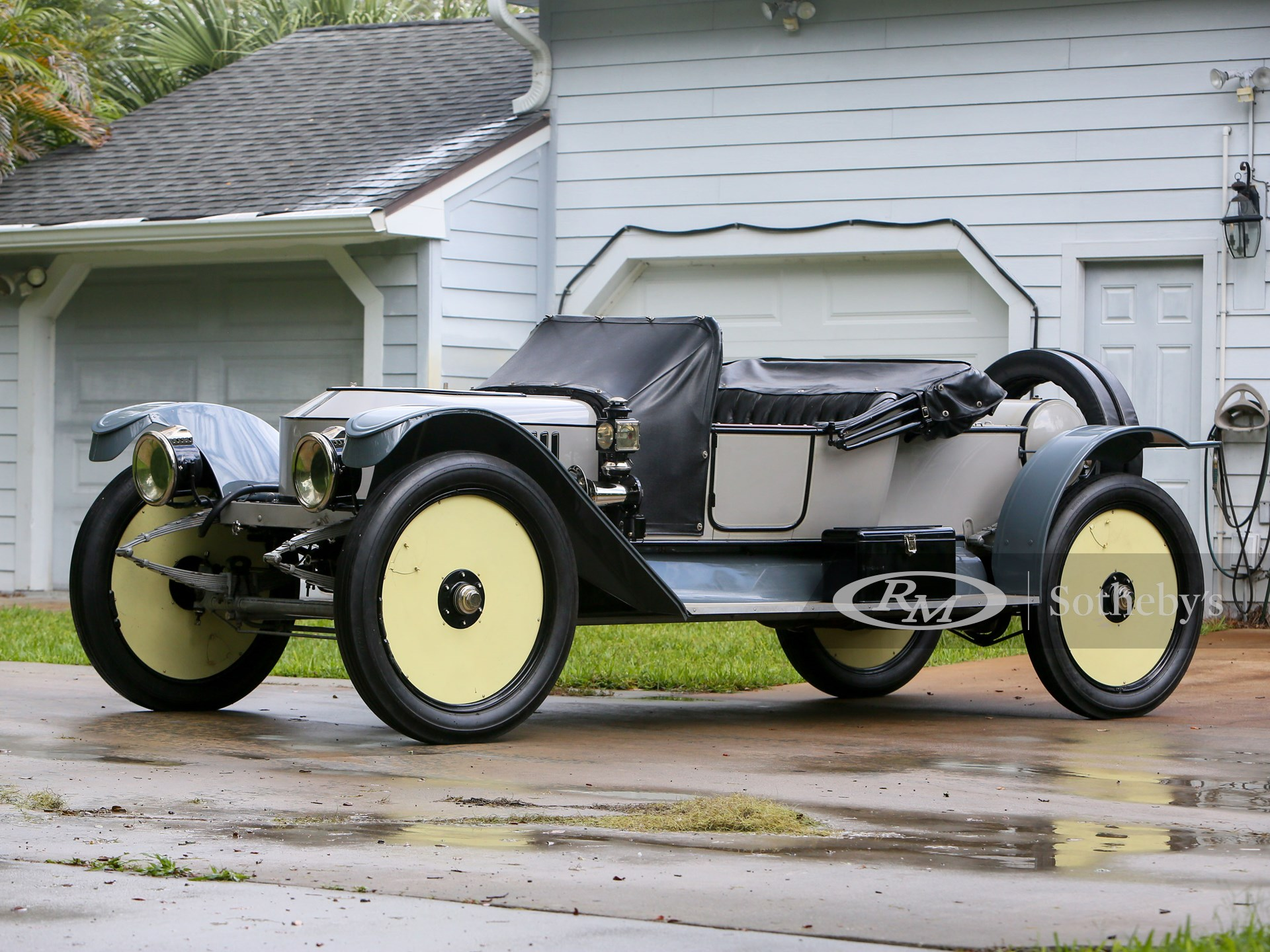 1912 Stanley Roadster Tribute (Ryan Merrill ©2021 Courtesy of RM Sotheby's)