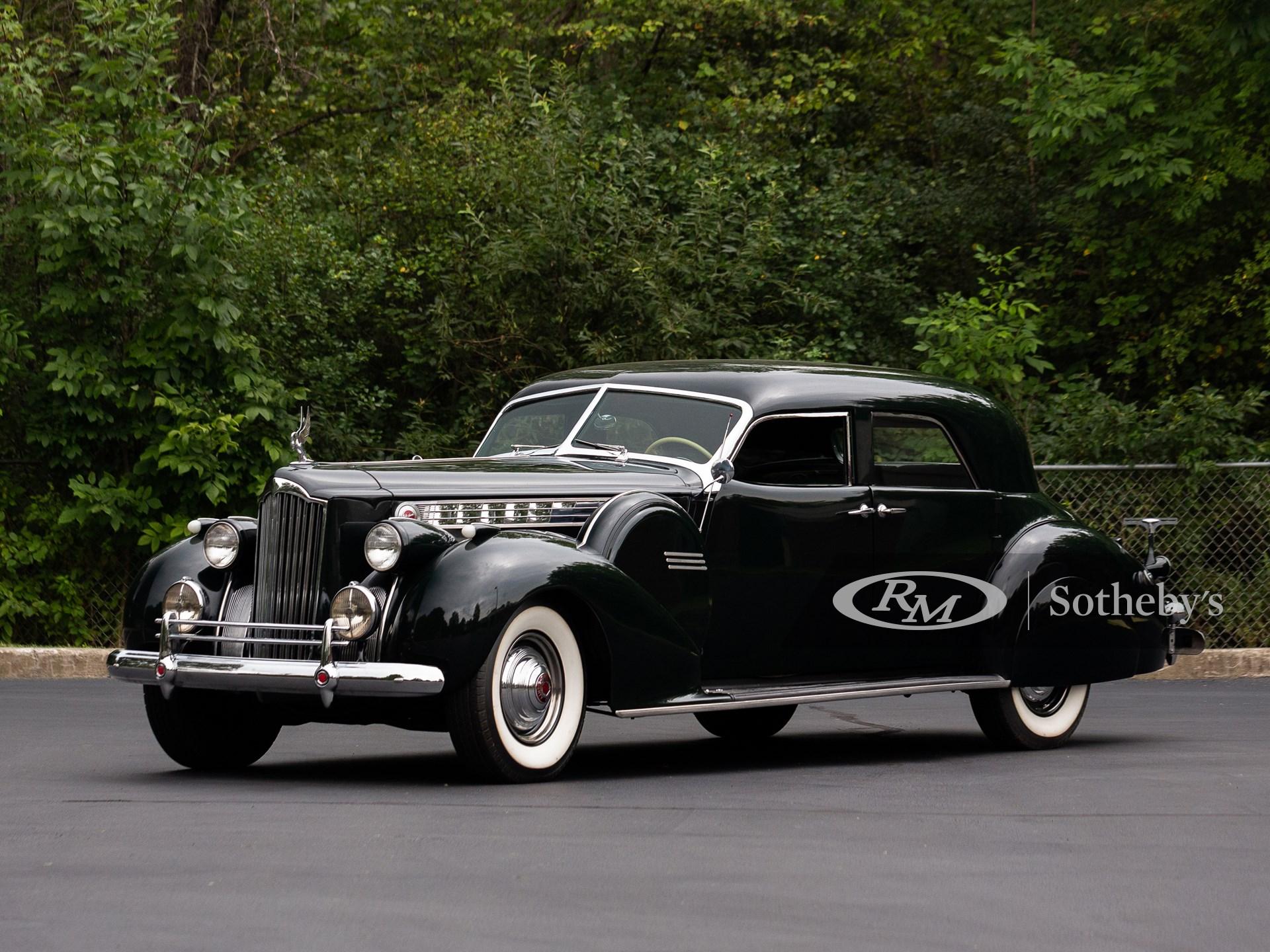 1940 Packard Custom Super Eight One Eighty Sport Sedan by Darrin (Drew Shipley ©2021 Courtesy of RM Sotheby's)