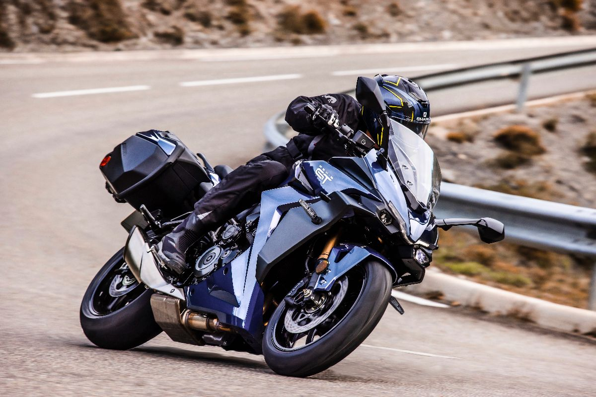 2022 Suzuki GSX-S1000GT (6)