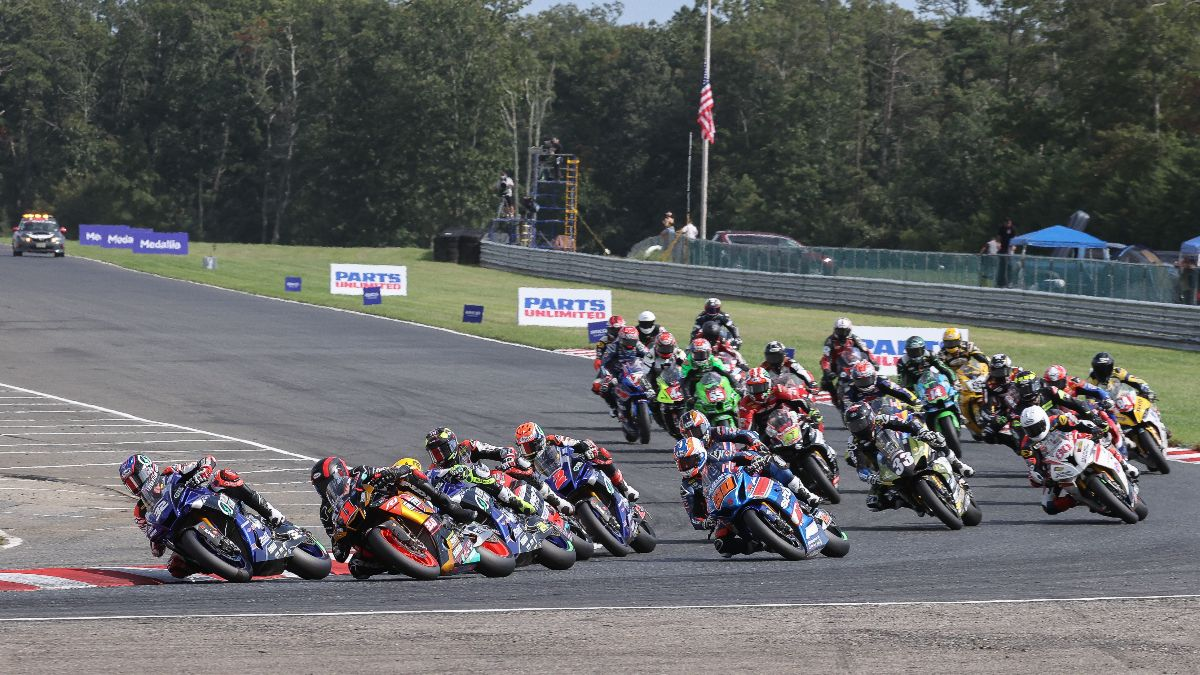 210912 HONOS Superbike pack on Saturday at New Jersey Motorsports Park