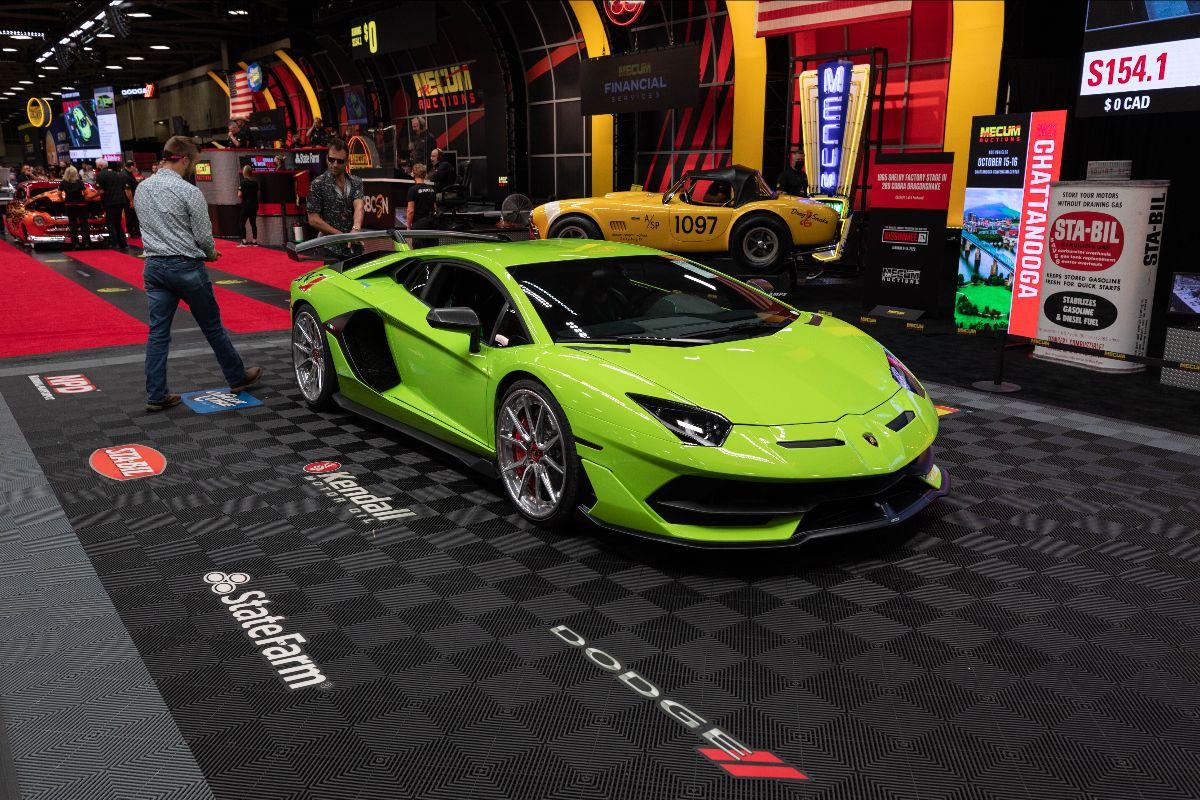 210917 2019 Lamborghini Aventador SVJ 6.5L, 3,150 Miles (Lot S154) sold at $660,000