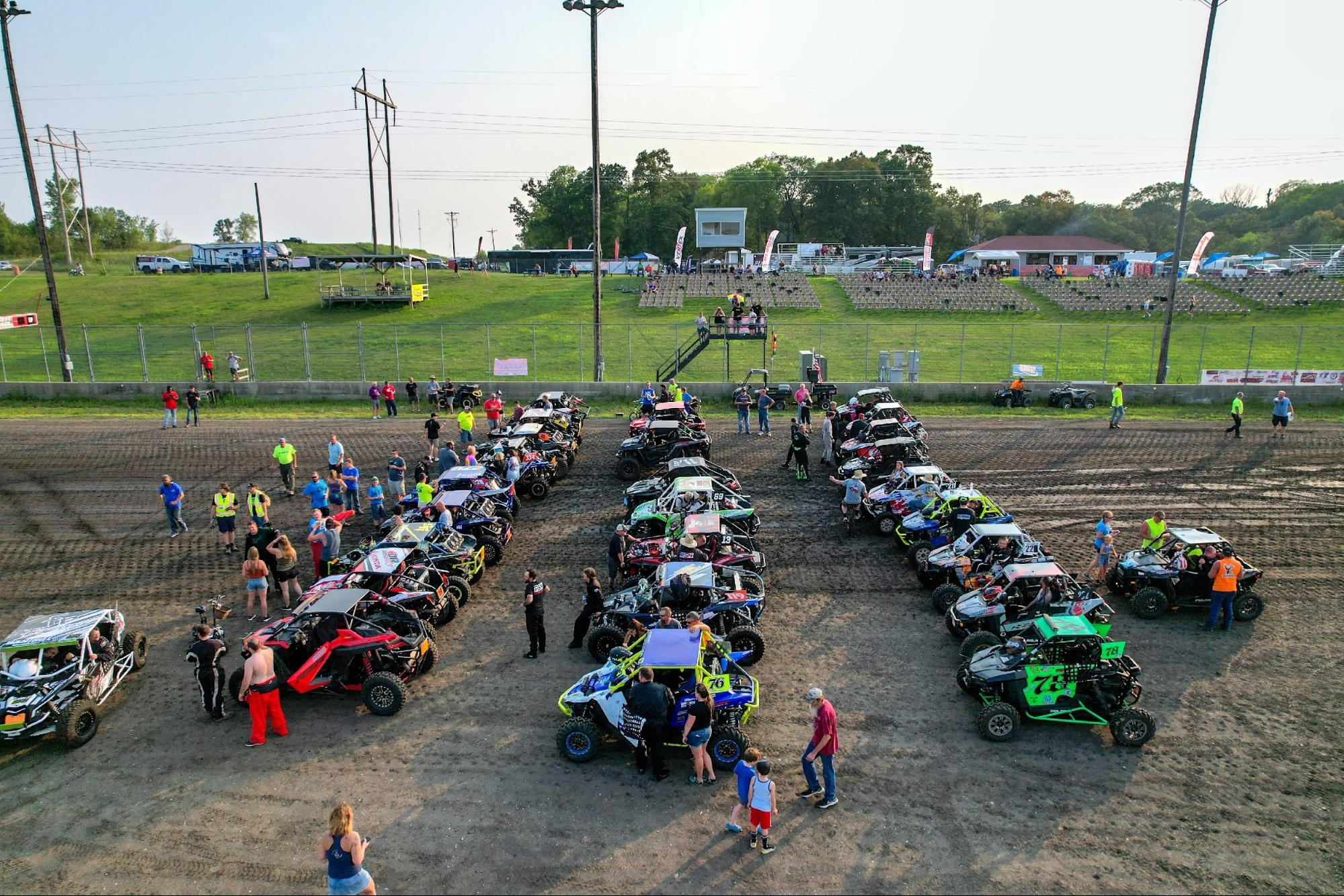 210922 Race teams making final preparations before the start of the 2021 UTV races