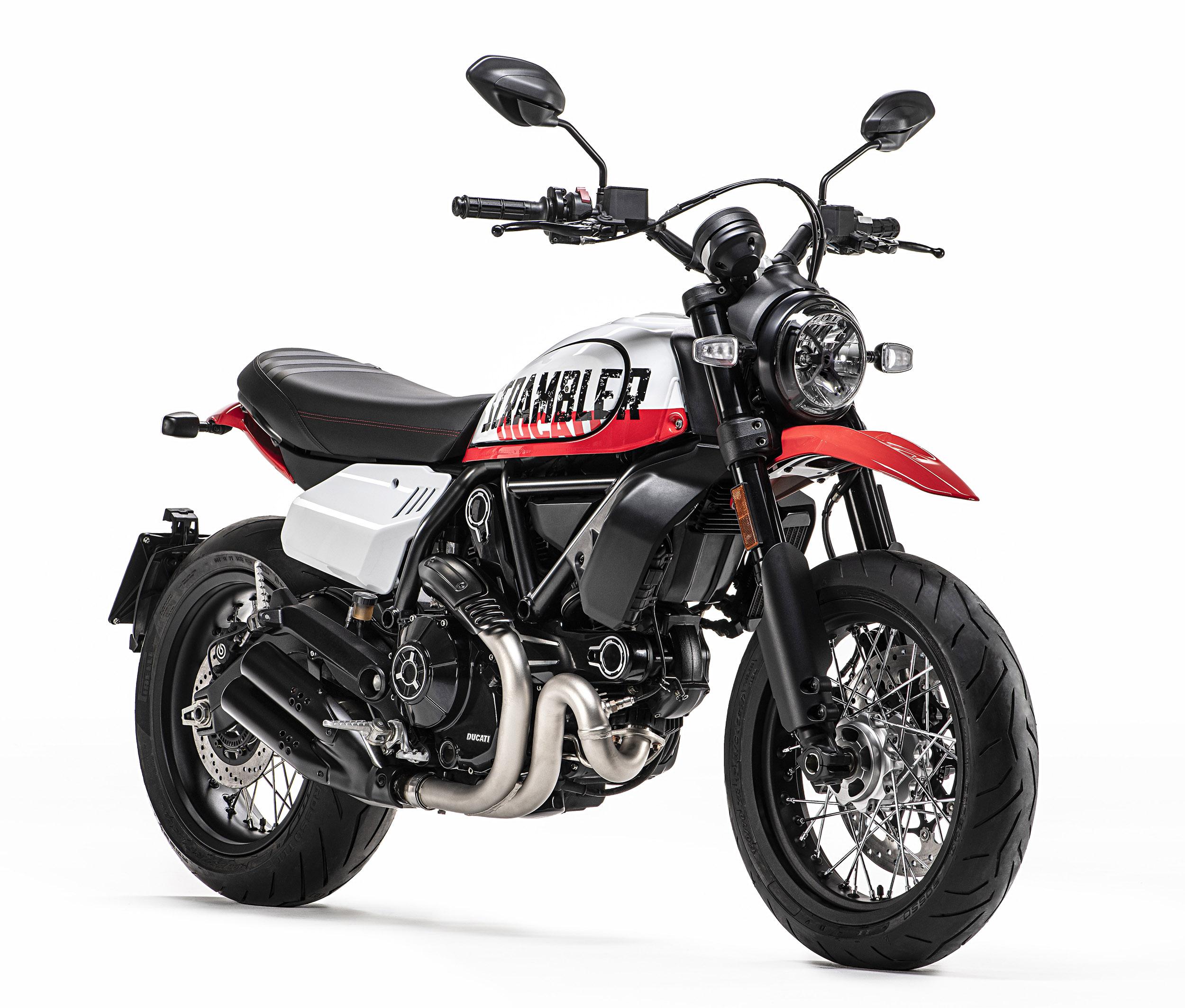MY22_DucatiScrambler_UrbanMotard_004_UC341492_High